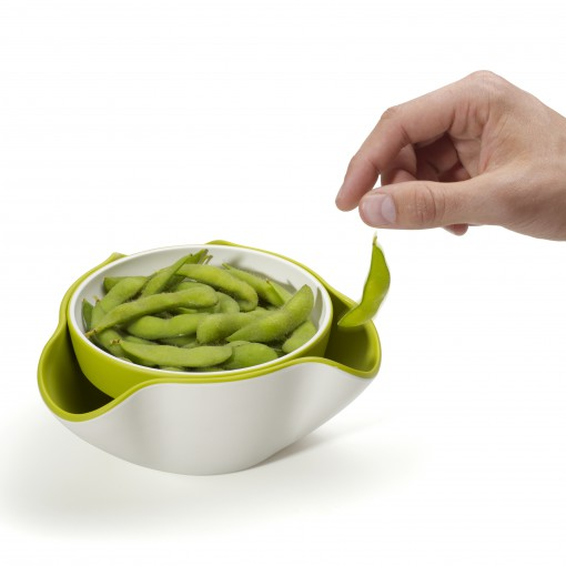 Double dish hand_edamame beans