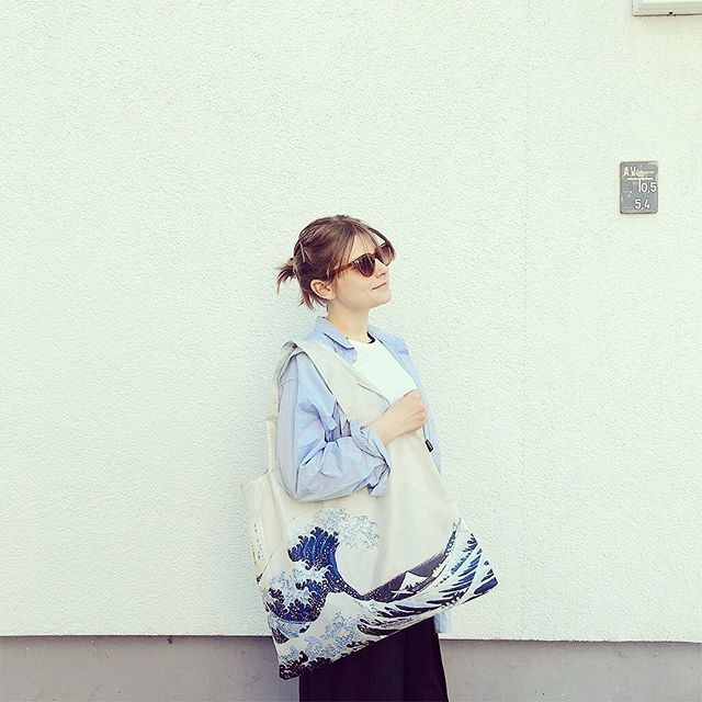 Chasing every breaking waves 追逐人生每個角落的巨浪  Hosukai - The Great Wave  Modmod Life- LOQI distributor for HK & Macau  #totebag#travel#eco#ecobag#mod#modmodclub#museum#moma#fashion#hongkong#fashion#gifts#giftideas#vangogh#starrynight#loqi_hk#cats#dogs#loqi#梵高 #sunflower#vincentvangogh #vangoghmuseum#byob#環保袋 #環保杯#香港#thegreateave#hokusai #hokusaiwave#waves